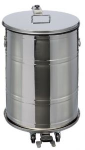 T790631 AISI 304 stainless steel Watertight pedal waste bin 70 liters